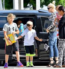 gavin rossdale ready to move on after gwen stefani gwen stefani takes her sons to church after decision to divorce