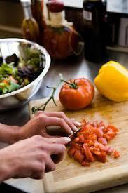 apprendre cuisine comment apprendre à mieux cuisiner grâce à l atelier cuisine