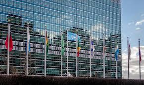 siege des nations unis drapeaux aux siège des nations unies york etats unis photo