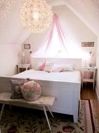 Schlafzimmer Sch Dekorieren Kleines Schlafzimmer Mit Schrge Ruhbaz Com
