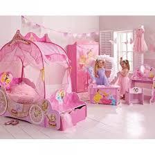 chambre fille disney princesses disney décoration rangement déco murale décorer une