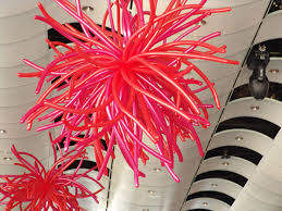 Valentines Day Balloon Decor by How To Throw A Valentine U0027s Day Party Balloon Ceiling Decorations