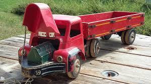 tracteur en bois tracteur bois et plastique berliet fabricant inconnu
