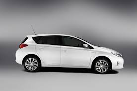 2013 toyota auris uk price 14 495