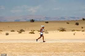 australian shepherd ultra marathon runners hit the desert for tunisia u0027s first ultra marathon daily