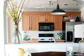 Best Paint Colors For Kitchens With Oak Cabinets Colours That Go With Oak Kitchen Cabinets Roselawnlutheran