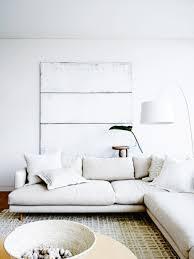 sofa tour una casa de playa hermosa y sofisticada modern living and