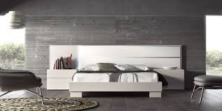 guardia norma modern bed in lacquer matt high gloss head2bed uk
