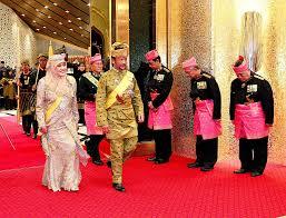 sultan hassanal bolkiah wives pomp and parade at brunei u0027s royal celebration se asia news u0026 top