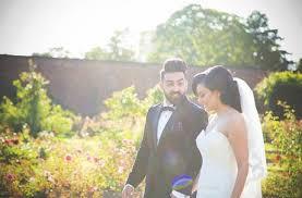 local wedding photographers 10 benefits of hiring local wedding photographers paperblog
