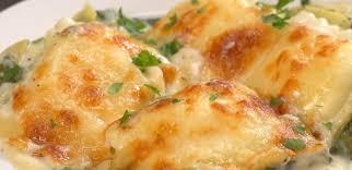 shrimp and artichoke casserole creamy spinach artichoke ravioli bake recipe tiphero