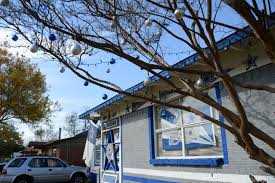 dallas fan painted his house cowboys colors u0027i u0027m not a fanatic
