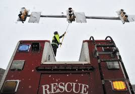 do traffic lights have sensors snow keeps traffic lights from changing in waterville centralmaine com