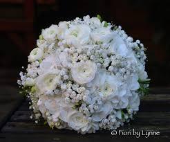 naomi u0027s rustic white and silver november wedding flowers