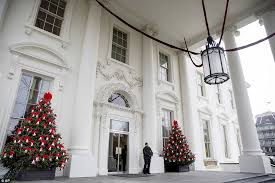 the white house debuts its christmas decorations for obama u0027s last