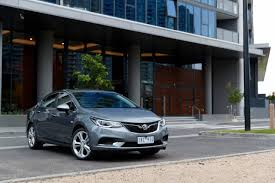 review holden bl astra sedan 2017 on