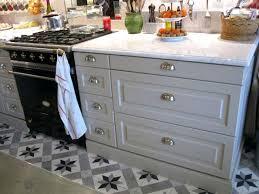 bouton de placard cuisine poignee meuble de cuisine poignee de meuble inox poignee meuble