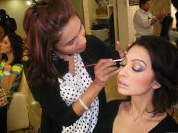 Become A Makeup Artist Glamour Makeup With How To Become A Makeup Artist With The Salon