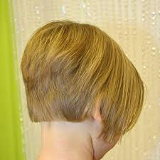 diy cutting a stacked haircut picture of a bob haircut from the back on a child bob haircuts