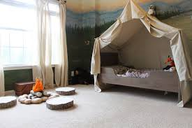 remodelaholic camping tent bed in a kid u0027s woodland bedroom