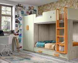 chambre enfant composée d un lit superposé et d une armoire