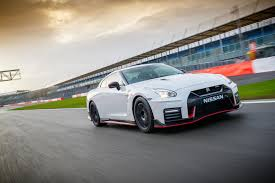 nissan gtr nismo 2017 top speed 2017 nissan gt r nismo review what u0027s the new extreme gt r like