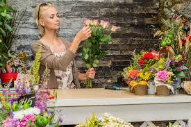 Arranging Flowers by Cairns Floral Supplies Arrange To Amaze
