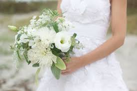 white wedding bouquets 4 most beautiful wedding bouquets myweddingfavors wedding tips