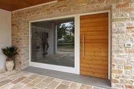 porte ingresso in legno falegnameria artigiana f lli agnolon finestre e porte in legno