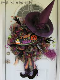 make halloween wreath learn how to make your own halloween deco mesh wreath