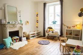 chambre bébé montessori chambre montessori voici un bel exemple d aménagement à découvrir