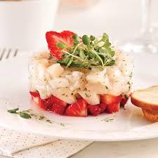 comment cuisiner les petoncles tartare étagé de pétoncles et fraises recettes cuisine et