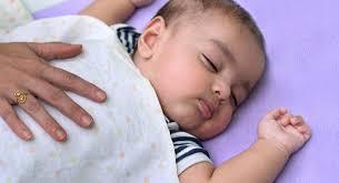 mama dormida mientras que su hijo se la coge el método ferber o estivill babycenter