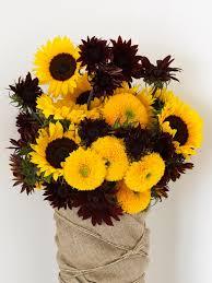 halloween floral centerpieces make a hand tied bouquet diy network blog made remade diy