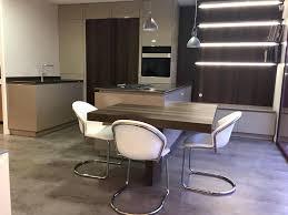 modele cuisine avec ilot central table ilot central cuisine avec table modele de cuisine avec ilot