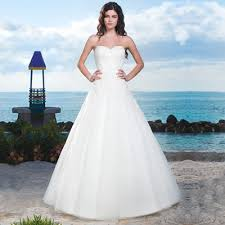 the guide to wedding dress styles and body shapes