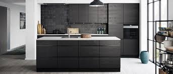 cuisine en noir cuisine noir et gris blanc id es de d coration capreol us