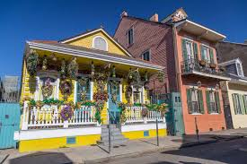 new orleans colorful houses best places to live in new orleans neighborhoods buying vs