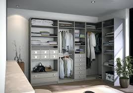 faire un placard dans une chambre creer un dressing pas cher faire placard dans une chambre creer
