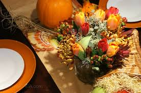 diy thanksgiving tablescapes decorating with a floral centerpiece