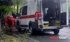 si e auto monza incidente stradale a monza in viale stucchi morto ragazzo