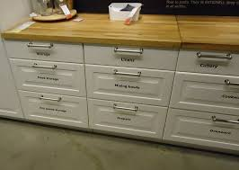 file kitchen design at a store in nj 5 jpg wikimedia commons kitchen cabinets with drawers
