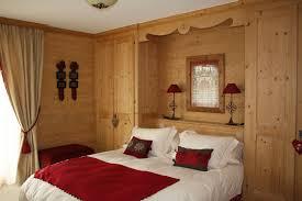 placard chambre à coucher à coucher en sapin étuvé brossé