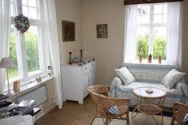 Wohnzimmer Heimkino Einrichten Funvit Com Schlafzimmer Romantisch Streifen