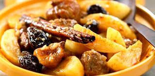 cuisine marocaine tajine agneau tajine d agneau aux pommes de terre pruneaux fruits secs et safran