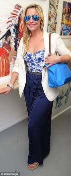 summer style capri heidi range looks stunning in floral top and capri pants as she