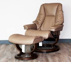Burgundy Leather Chair And Ottoman Ekornes Stressless Live Recliner Chair Lounger And Ottoman