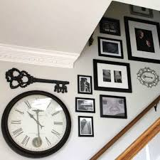 Ideas To Decorate Staircase Wall Best 25 Stairway Walls Ideas On Pinterest Stairway Wall Art
