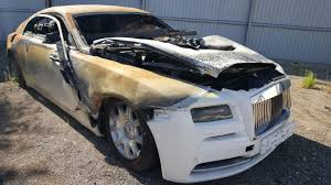 rolls roll royce fire damaged rolls royce wraith selling for u20ac40 000 bargain or