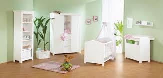 chambre bébé modulable lit bébé évolutif et commode à langer blanc